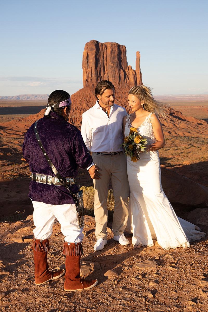 NavajoMonumentValleywedding